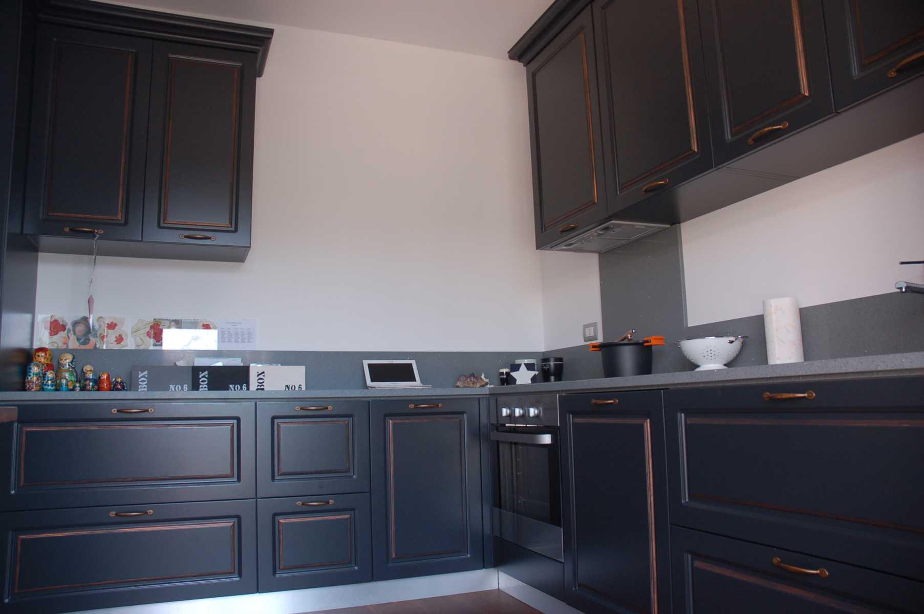 La falegnameria rampini cucine classiche - Cucine moderne scure ...